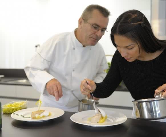 Cours de cuisine en Val de Loire avec L'Art des Mets - Ecole de cuisine du Domaine des Hauts de Loire - Expérience gastronomique en Loir-et-Cher ©Domaine des Hauts de Loire