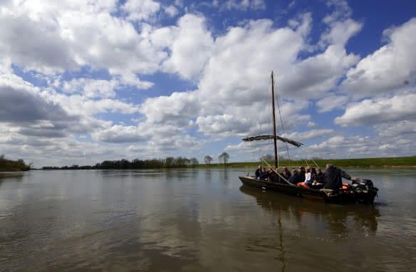 Balade sur Loire en bateau traditionnel avec Millière Raboton ©C-Marino-ADT41