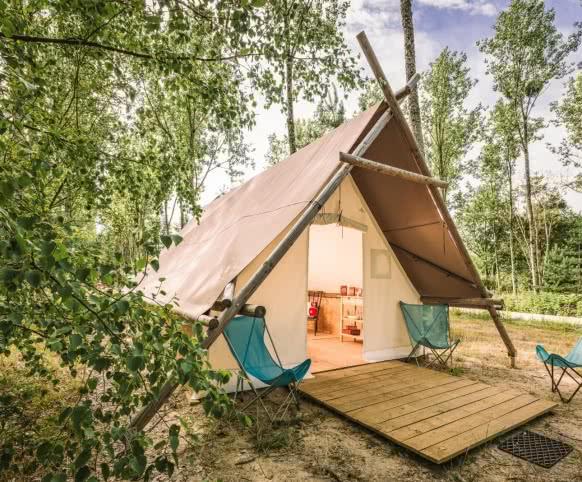 Loir-et-Cher Val de Loire - Les hébergements - Camping l'Heureux Hasard entre Sologne et châteaux de la Loire ©L'Heureux Hasard