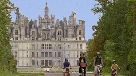 Les châteaux à vélo - Vacances en vélo en Loir-et-Cher Val de Loire ©CRTCentre.E.Mangeat