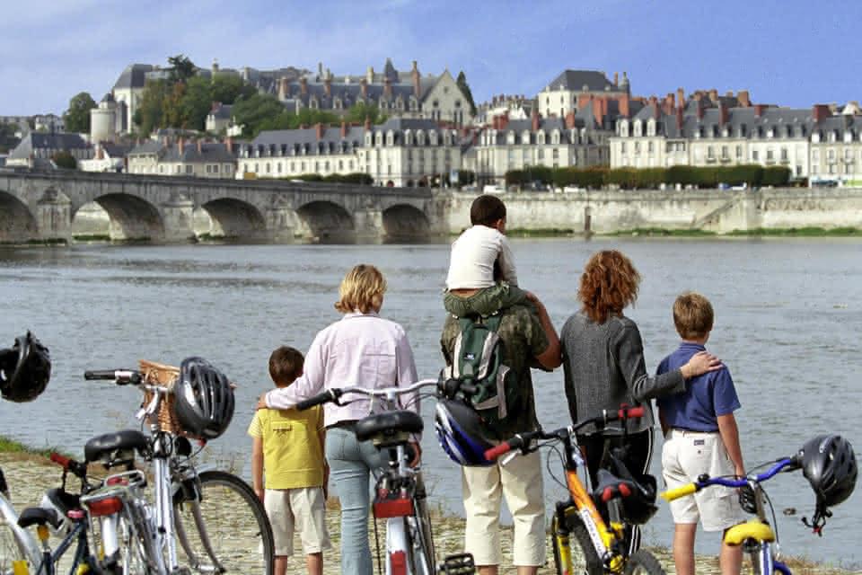 Balade vélo en famille - Blois ©E.Mangeat - CRT-Centre-Val-de-Loire