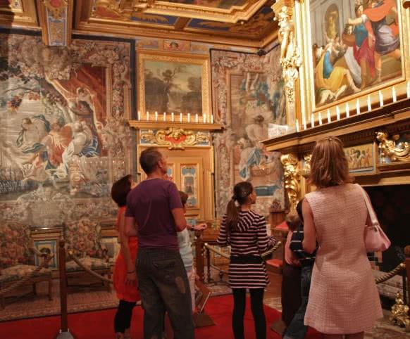Visite en famille du château de Cheverny - Vacances en Loir-et-Cher Val de Loire ©CDT41-EnolaCreation