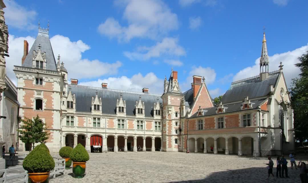 Château Royal de Blois - Aile Louis XII - Vacances en vallée de la Loire - Loir-et-Cher ©CHATEAUROYALBLOIS-D-Lepissier