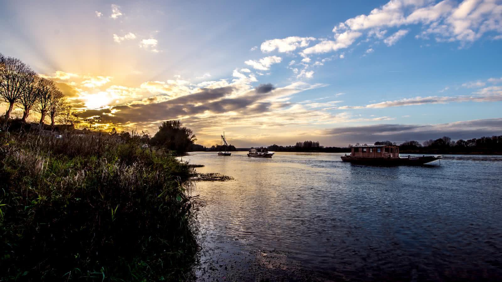 Coucher de soleil à Saint-Dyé-sur-Loire - Vacances nature en Loir-et-Cher ©Alexandre-Roubalay