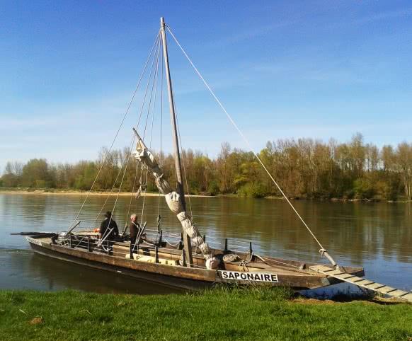 Marin du Port Chambord - La Saponaire - Saint-Dye-sur-Loire - La Loire au crépuscule © C.Biore - ADT 41