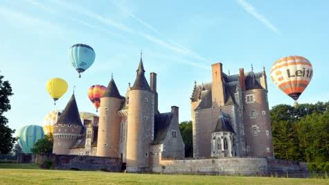 Montgolfières - Château du Moulin ©Katia Riolet