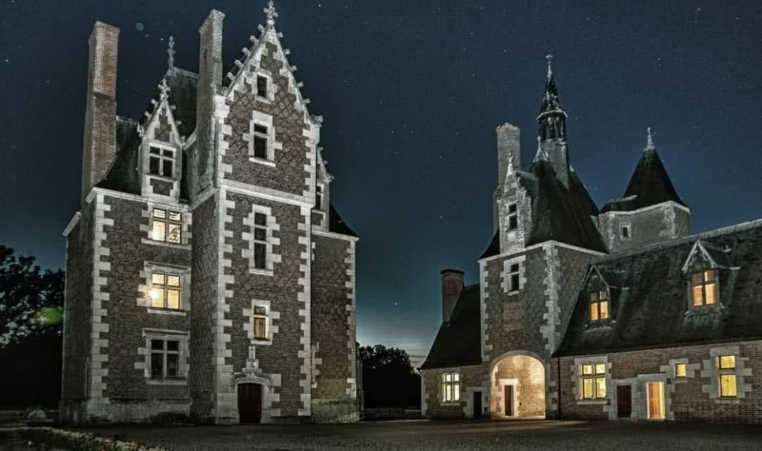 Le château du Moulin en Sologne de nuit ©ADT41-MirPhoto