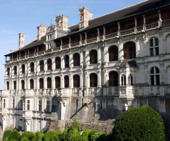Façade des loges du château royal de Blois - Vacances en famille en Loir-et-Cher Val de Loire ©ADT41-CMarino