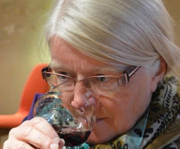Florence Veilex - Domaine de la Chapinière à Châteauvieux - Femme vigneronne des vins au féminin du Loir-et-Cher en Val de Loire.jpg