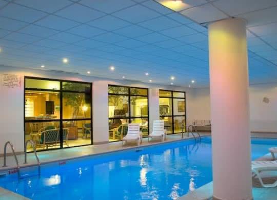 hotel-mercure-piscine-blois©CDT41-ftomasi