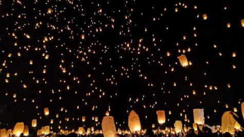 fête des lumières vendôme - Fire Lanterns ©StockSnap