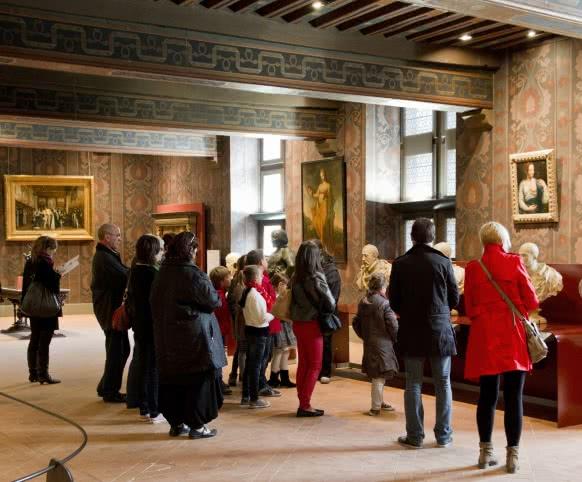 Visite familiale au château royal de Blois en Loir-et-Cher Val de Loire (c) T. Bourgoin