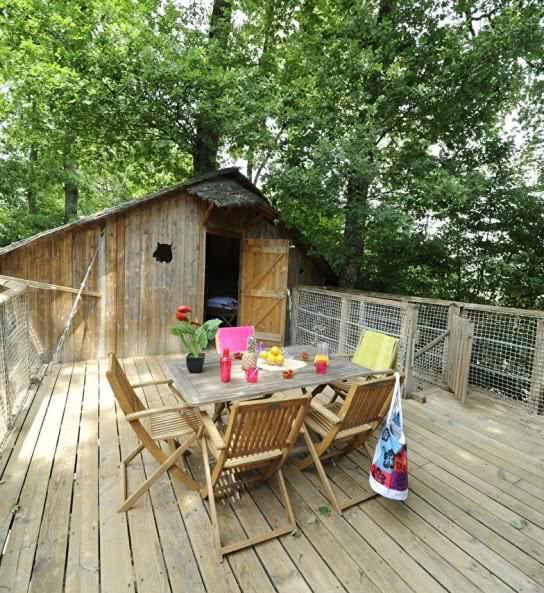 Terrasse cabane dans les arbre chateau des marais - hébergements insolites chambord