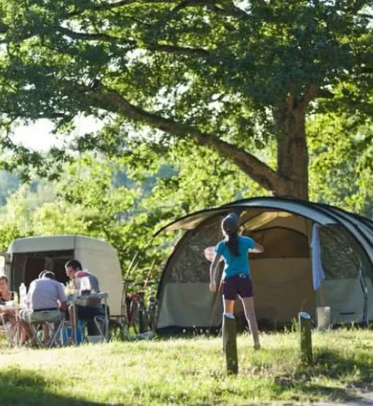 camping-huttopia-les-chateaux-bracieux-770x550