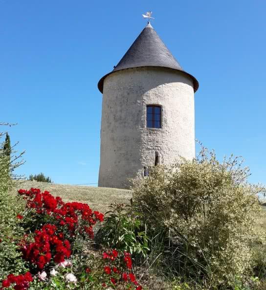 hébergement insolite - la tours Levoy