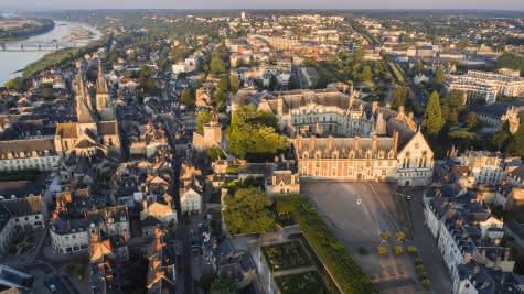 Autour de Blois - Château royal de Blois - 500 ans de Renaissances en Loir-et-Cher Val de Loire ©Gillard et Vincent