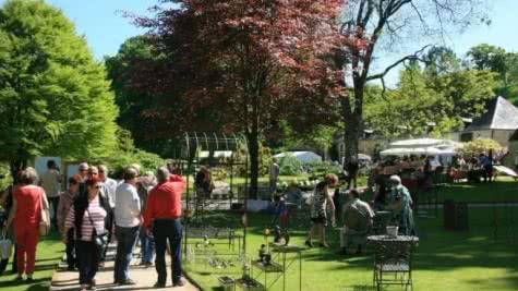 Marché aux plantes au Jardin du Plessis Sasnières - Jardin Remarquable en Loir-et-Cher Val de Loire