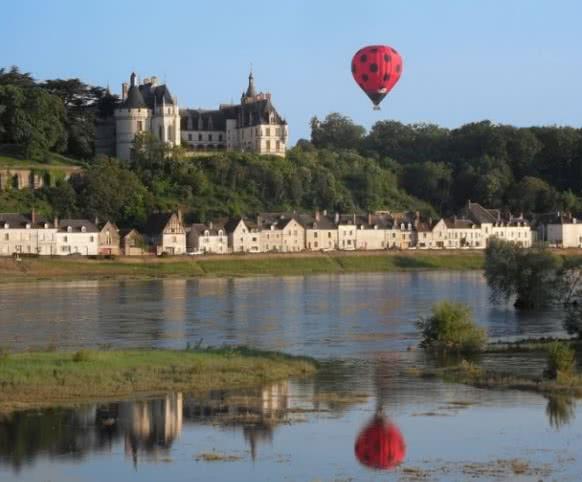 Aérocom Montgolfière - Vols mongolfière au-dessus des châteaux de la Loire - Expérience insolite en Loir-et-Cher Val de Loire ©Aérocom