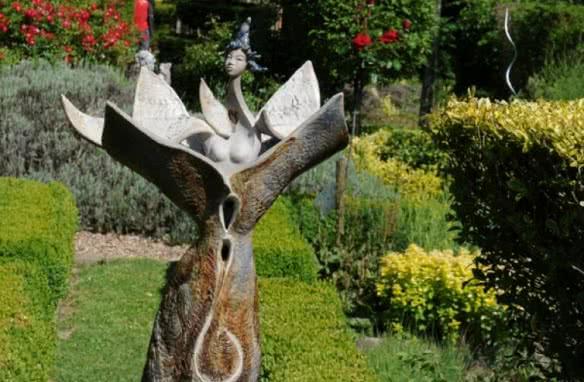 Idées de sorties en Loir-et-Cher - Exposition : Les dames de la Renaissance au jardin des Métamorphozes