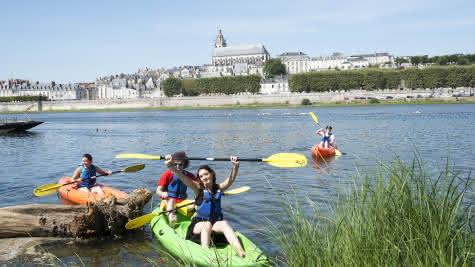 Autour de Blois - Canoë kayak sur la Loire à Blois - Vacances autour du château royal de Blois ©Mir-Photo-ADT41