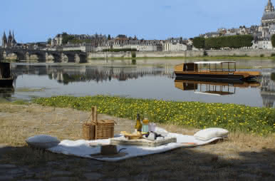 Pique-nique au port de la Creusille - Vacances à Blois en Loir-et-Cher Val de Loire ©Cécile Marino-ADT41