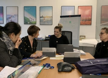 Provoyage - Démarchage Londres - Graciane, Elodie, Nadine at Saga