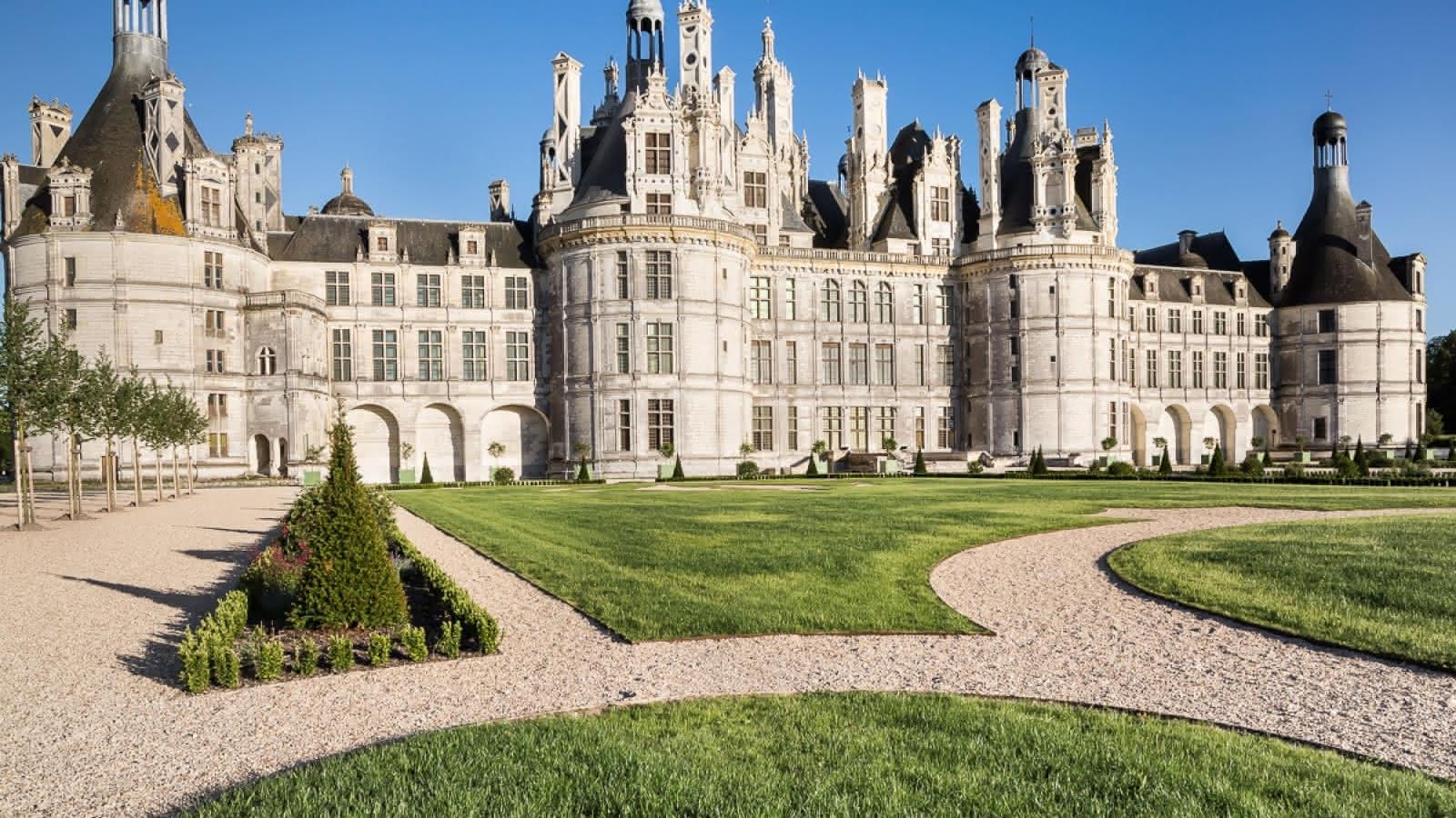 Château de Chambord - Jardins à la française ©-Domaine-national-de-Chambord.-Photo-Sophie-Lloyd