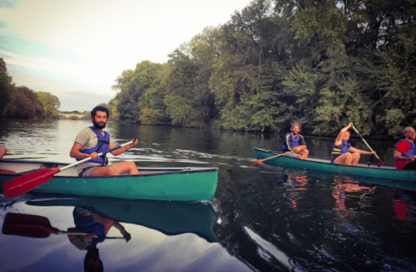 Balade en canoë kayak sur le Cher entre amis ©Expérience canoë kayak ©JF Souchard