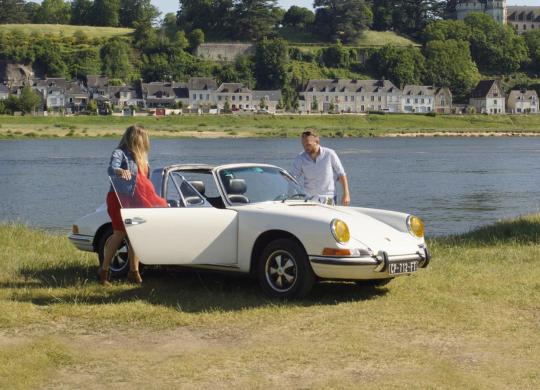 Balade en voiture de collection sur les bords de Loire avec Cockpit 41 ©Alexandre Roubalay