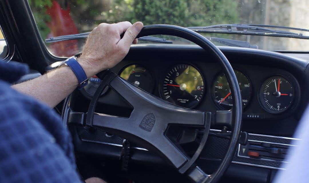 Conduire une voiture de collection sur les bords de Loire avec Cockpit 41 ©Alexandre Roubalay