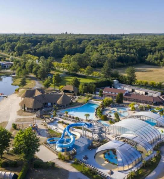 Sandaya Les Alicourts - Camping avec piscine en Val de Loire Sologne