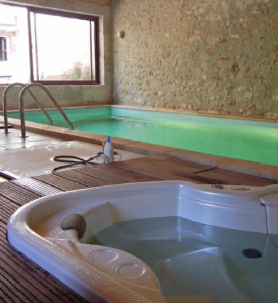 L'Atelier K - Gîte avec piscine en Val de Loire Loir-et-Cher - Espace détente jaccuzi