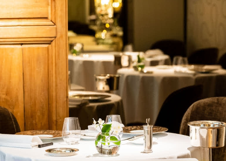 001-FR-Didier Clement-Restaurant Lion dOr-Marco Strullu-0519-2811