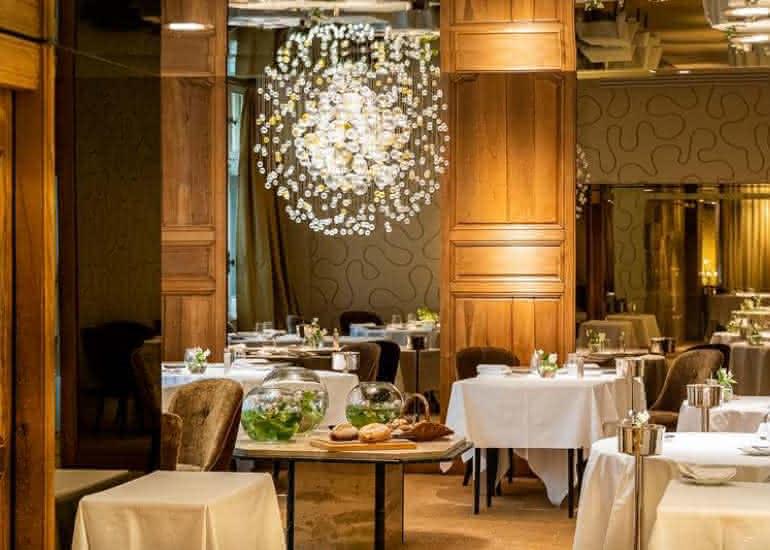001-FR-Didier Clement-Restaurant Lion dOr-Marco Strullu-0519-2842