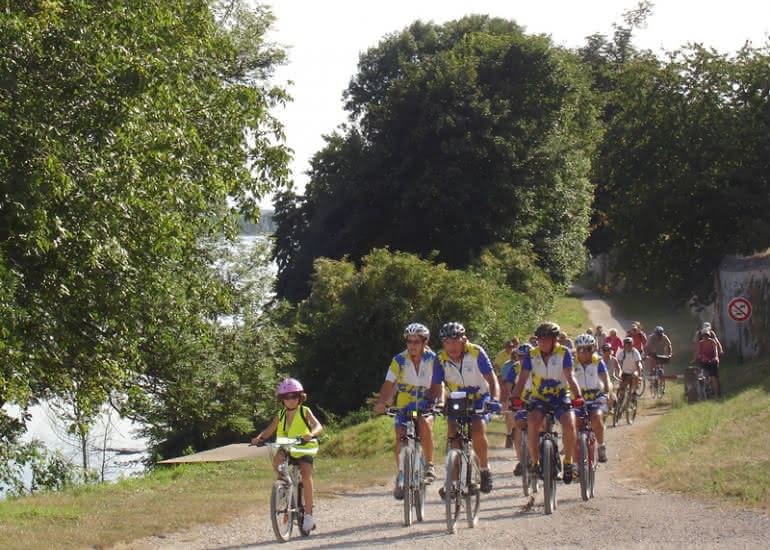 (1)balade-velo-loire-a-velo©ADT41-apoulleau-CRB