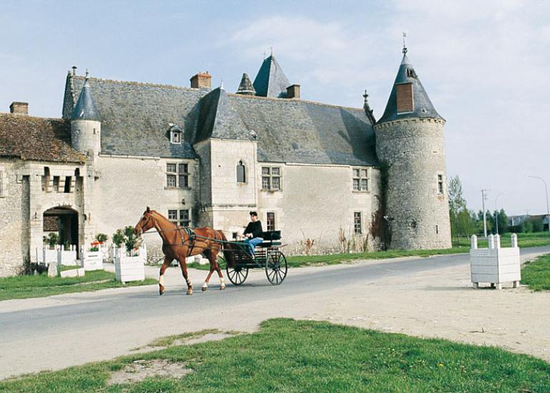 (1)chateau-chemery©CDT41