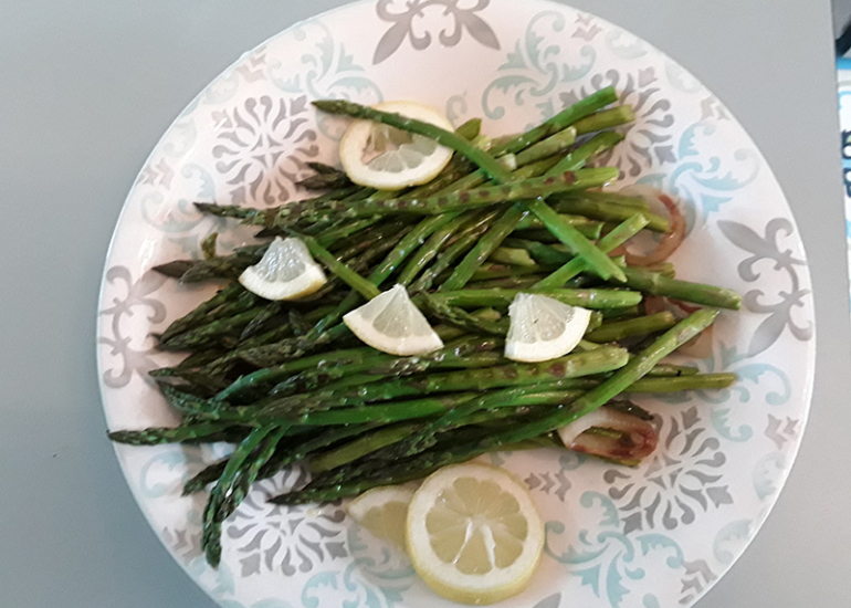 12-Tables-d-hotes---asperges-