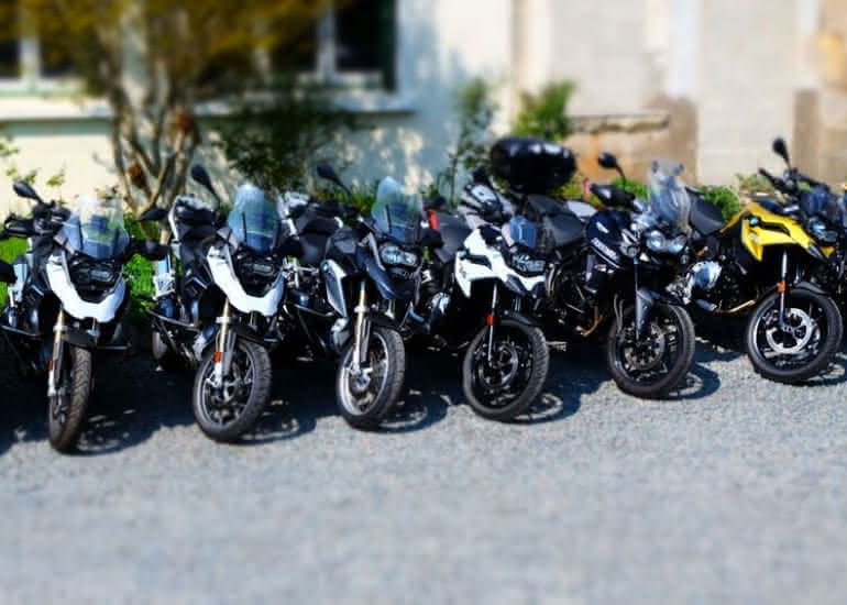 13-location-moto-scooter-ride-in-tours