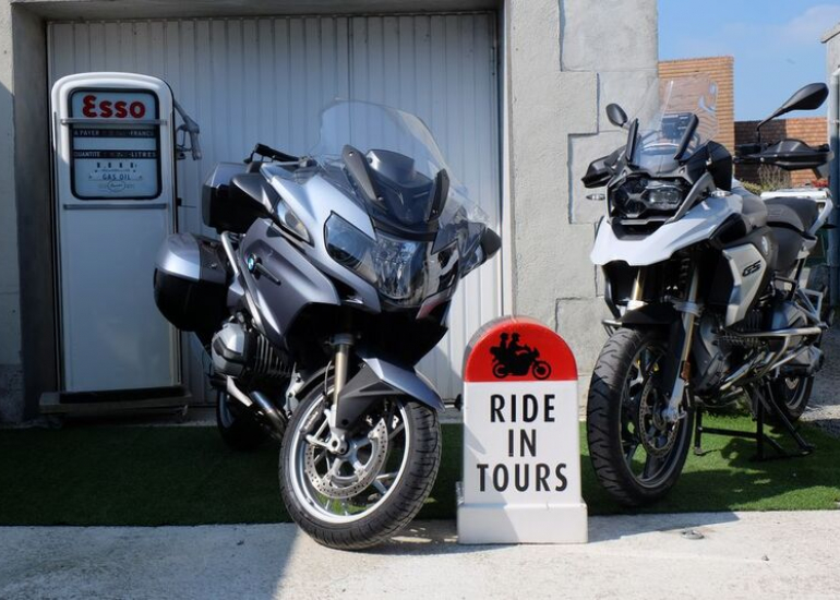 14-location-moto-scooter-ride-in-tours