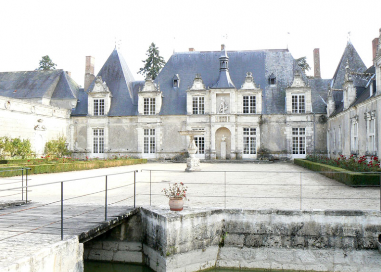 (17)chateau-villesavin-tour-en-sologne©CDT41-lrothon