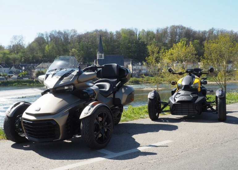 18-location-moto-scooter-ride-in-tours
