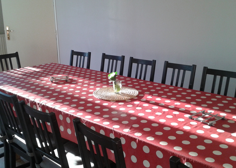 14 à tables ! LA GRANDE MAISON/GITE DE GROUPE
