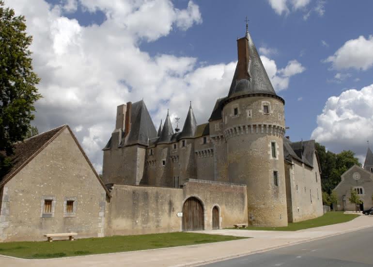 (41)chateau-fougeres-sur-bievre©CDT41-rsinradsvong-cmn