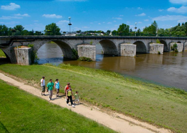 (55)pont-selles-sur-cher©CDT41-enola