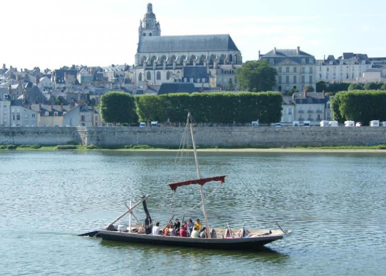 (684)balade-bateau-bateau-observatoire-loire-blois
