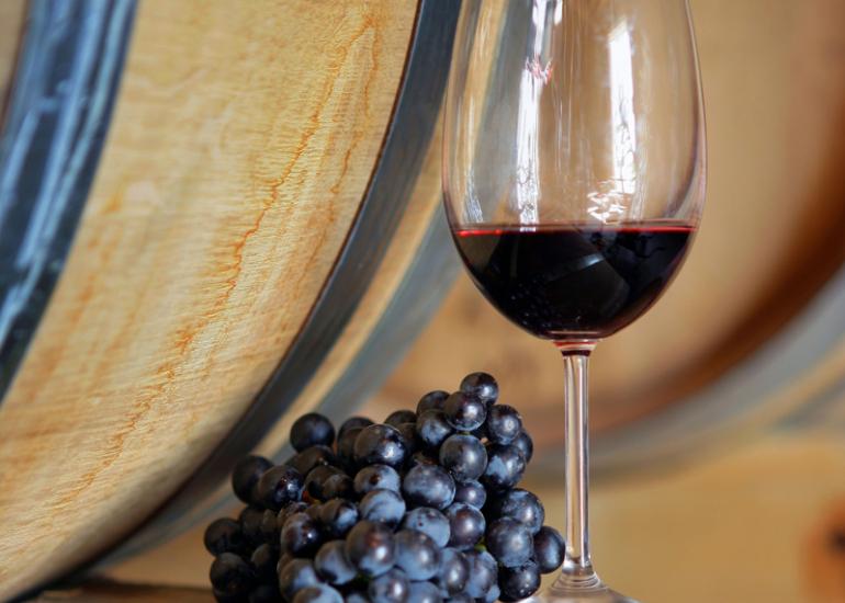 (76)tonneau-raisin-verre