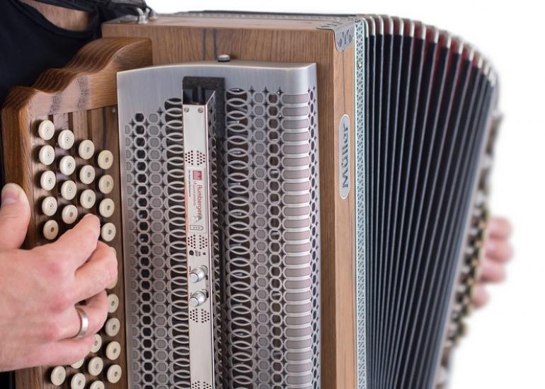 accordeon-musique-festival-de-pontlevoy-spectacle-loir-et-cher