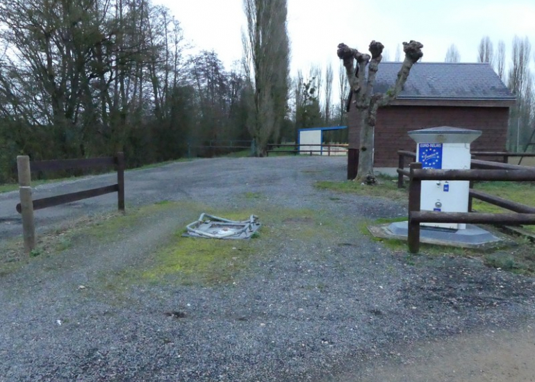 Aire camping-cars à Savigny-sur-Braye