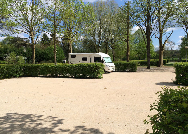 aire-stationnement-camping-car-campingcarpark-montrichard©Campingcarpark (3)