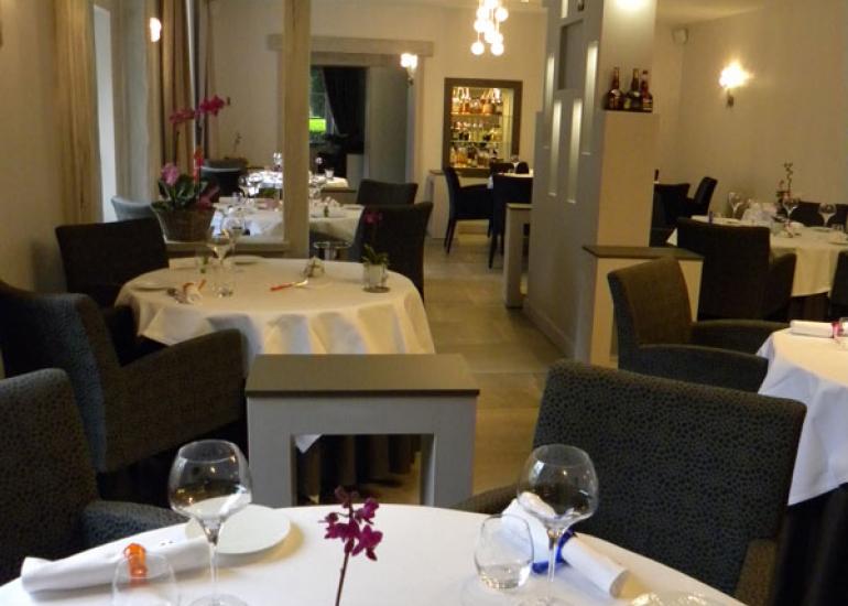 Auberge-de-la-Caillere-salle-restaurant1©Auberge-de-la-Caillere